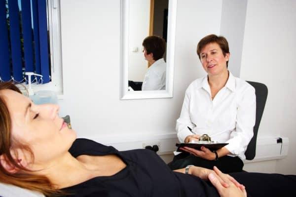 peforming hypnotherapy