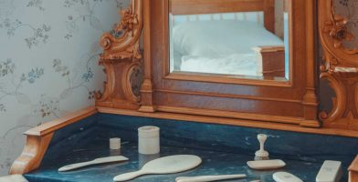 Choose the best vanity table for your bedroom