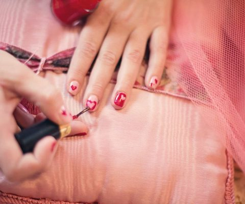 we reviewed the best christmas nail art kits